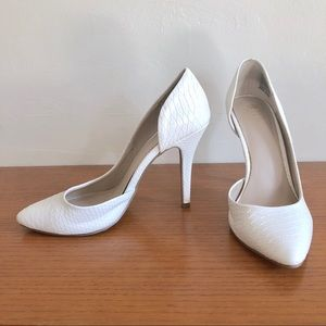 JUICY COUTURE White Faux Snakeskin Heels